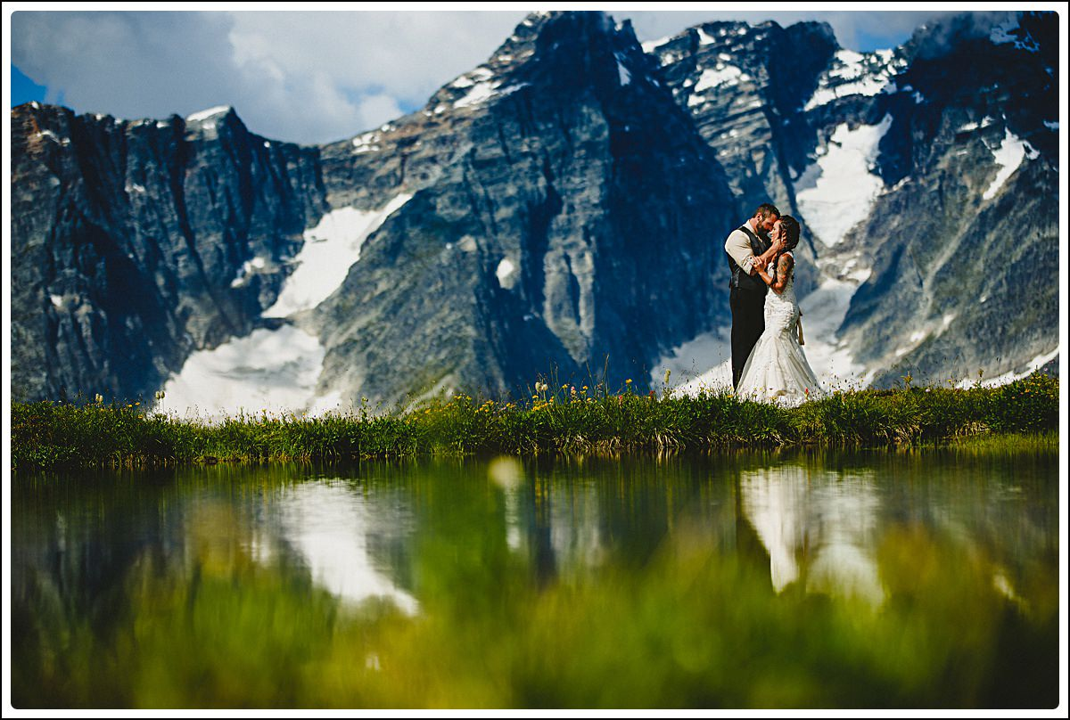 Purcell Mountain Lodge Sunrise Heli elopement